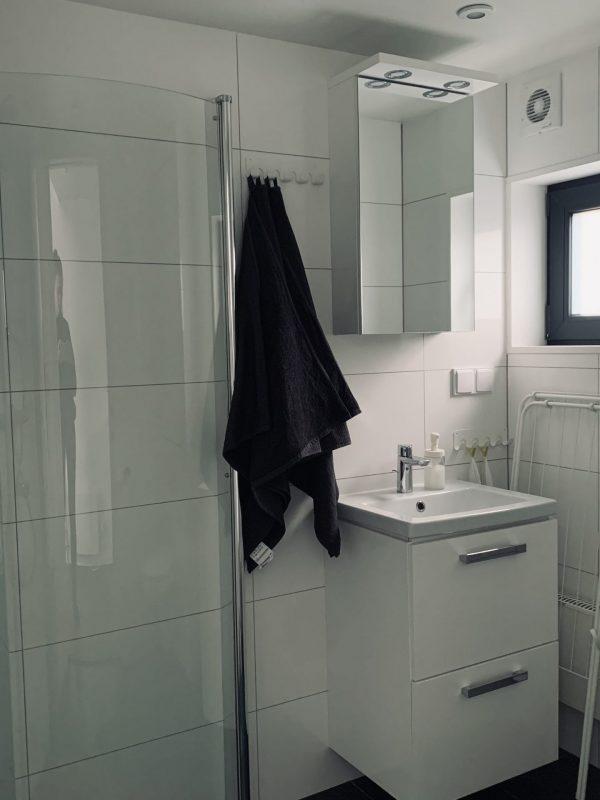 Bad mit bodengleiche Dusche